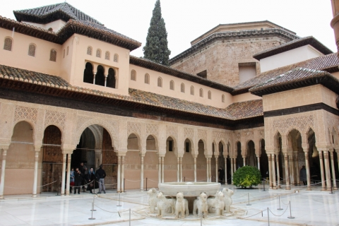 Löwenhof  im Nasriden-Palast / Granada