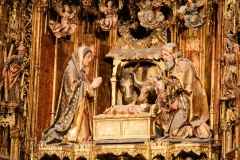 Szene im Hochaltar in der Kathedrale von Sevilla