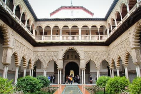 Hof der Jungfrauen im Königspalast Real Alcázar in Sevilla