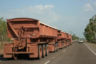 Roadtrain - über 50 Meter lang