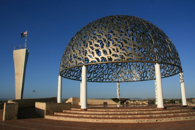 das Kriegerdenkmal HMAS Sydney War Memorial in Geraldton