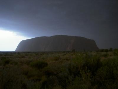 Ayers Rock im Unwetter