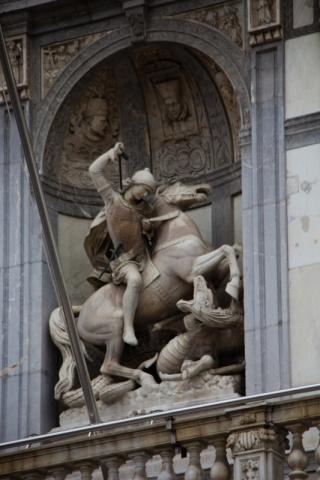 Heiliger Georg mit seinem Drachen am Plaça de Sant Jaume