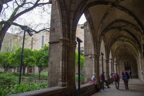 Kreuzgang im Antic Hospital de la Santa Creu