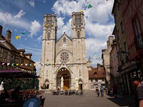 Cathédrale Saint-Vincent am Place Saint-Vincent