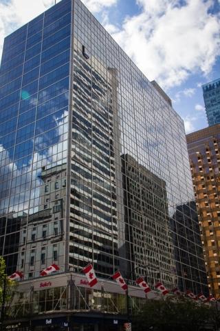Beeindruckende Spiegelungen in den Wolkenkratzern von Vancouver