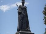 Queen Victoria vor Parlament