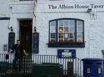 Pub 'The Albion House Tavern' - steht sogar im Guiness Buch der Rekorde
