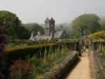 Blick vom Garten auf das Haupthaus der Seigneurie