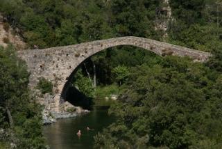 Genuesische Brücke bei Ota