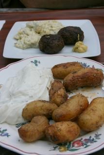 neue Heidkartoffeln mit Schmand und Schnucken-Klöpse