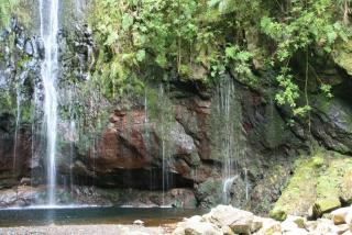 ein Teil der Wasserfälle bei Rabaçal