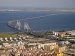Die Brücke Vasco-da-Gama in Lissabon