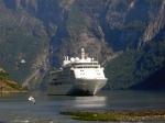 'Traumschiff' im Geiranger Fjord