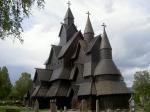 Eine der wenigen erhaltenen hölzernen Stabkirchen aus dem 12. Jhdt