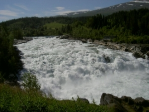 Wasserfall bei Laksfossen