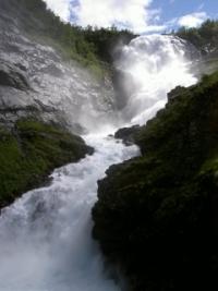 Wasserfall entlang der Flam-Bahn