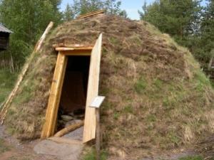 Samihütte von aussen