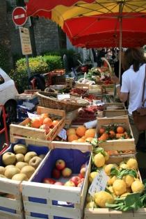 Wochenmarkt in Tourrettes-sur-Loup