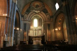 Im Innern der Kathedrale von Orange